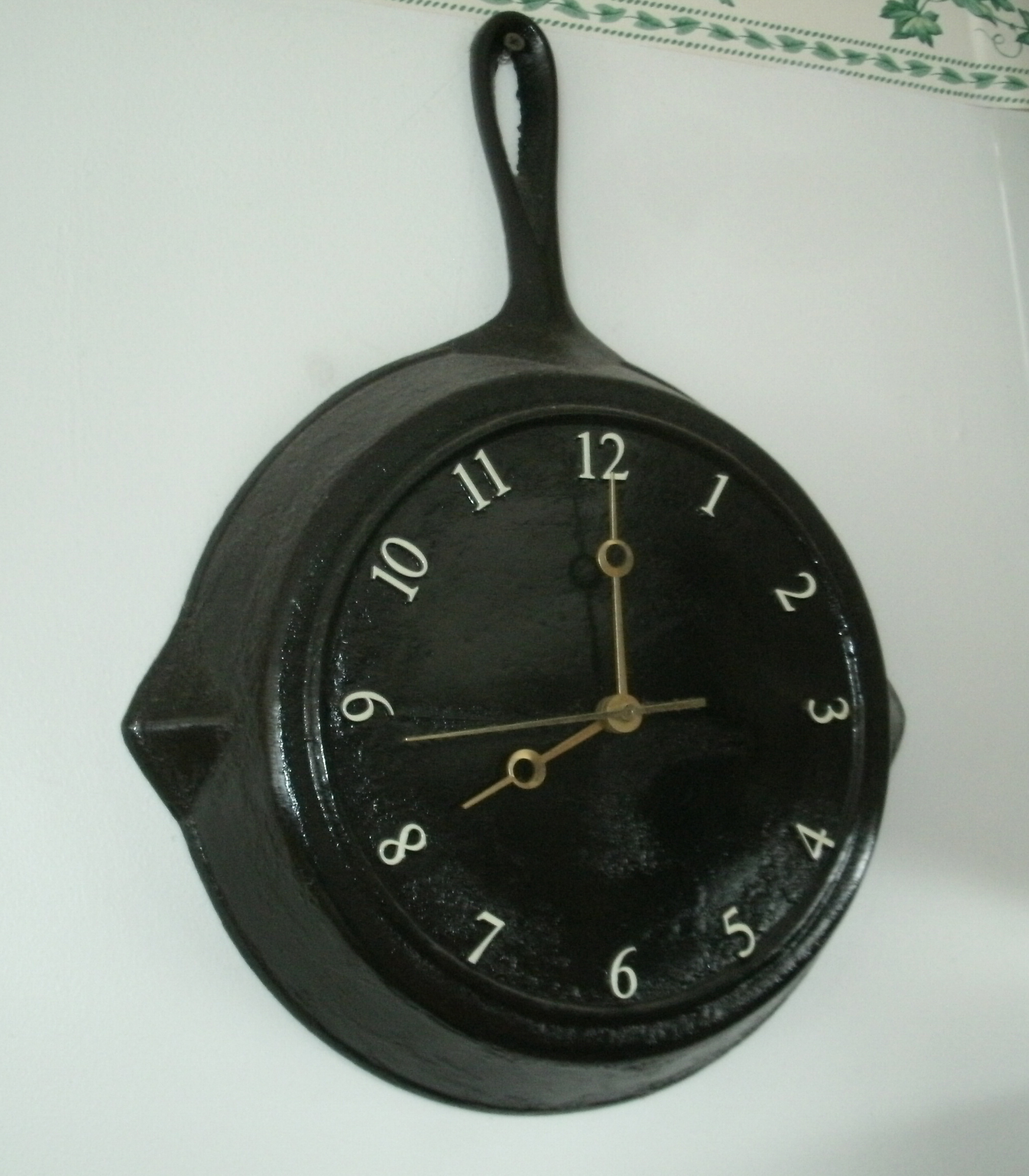 How to Make a Frying Pan Clock