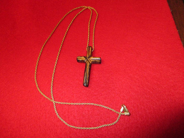 wooden-cross-pendant