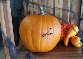 pumpkin-clock-diy-klockit
