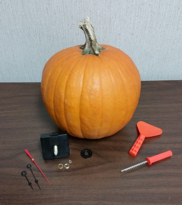 Supplies for Pumpkin Clock
